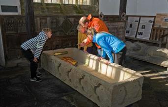 Capel Gwydir - Eglwys Sant Grwst