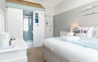 Seaside themed double bedroom, Beachside Guesthouse