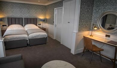 Grey themed twin room, Dunoon Hotel