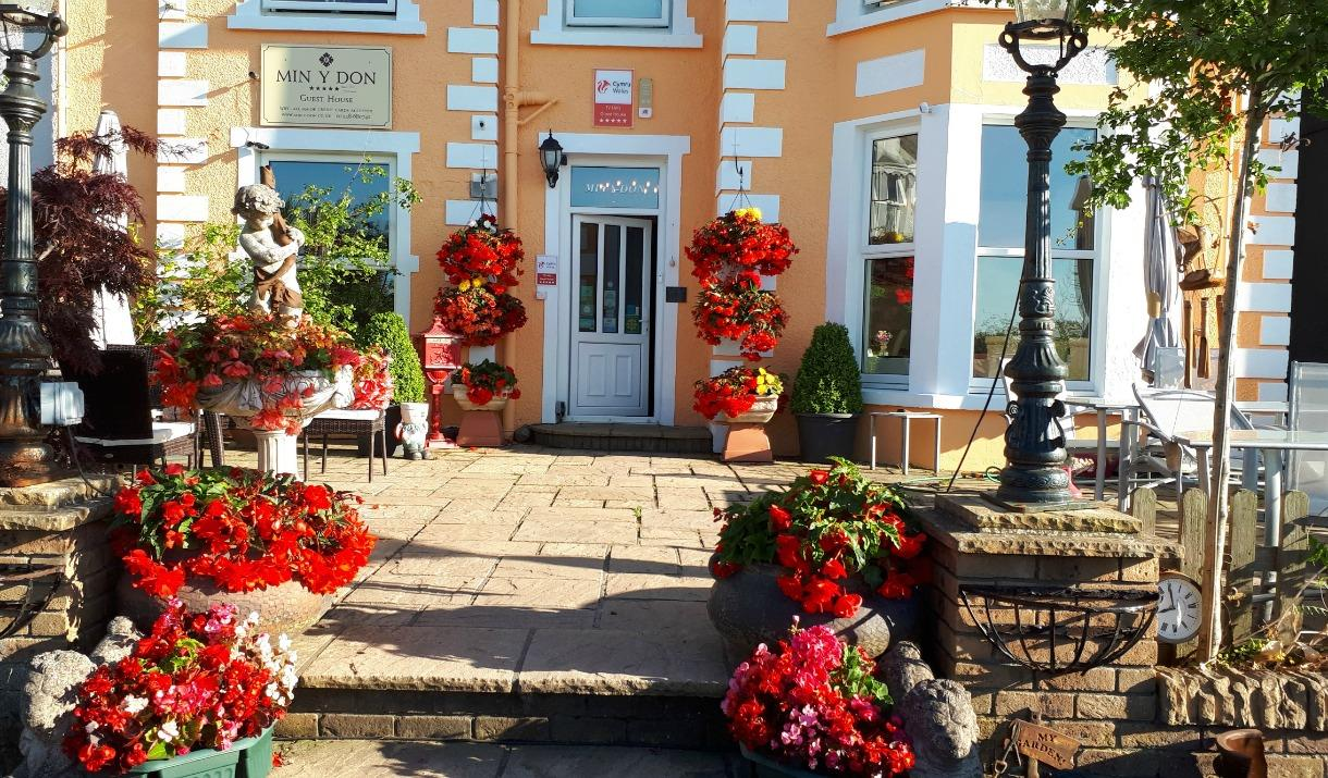 Min Y Don Guest House, Llanfairfechan