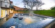 Sychnant Pass Country House Hot Tub