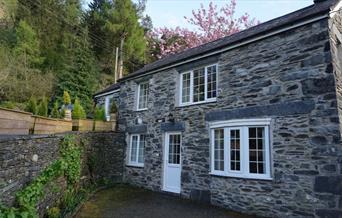 Tyn Y Fron Cottage