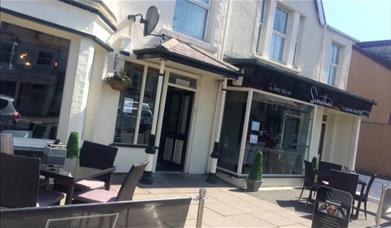 Sinatra's Food and Drink, Llandudno