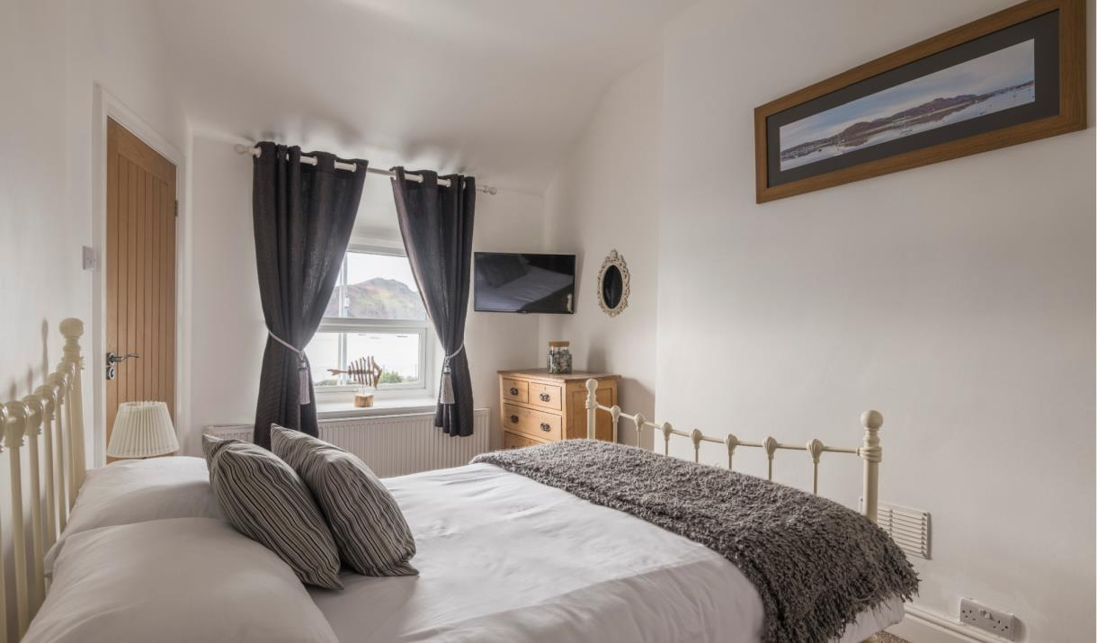 Double bedroom at The View Holiday Cottage