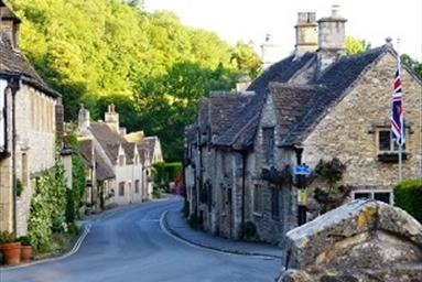 Whether you like to use two feet, four wheels or a bike, you'll be spoilt for choice for Cotswolds based experts who'll help you take the strain out of getting around.  What better way to make the most of your precious free time and experience the Cotswolds in a truly memorable way?