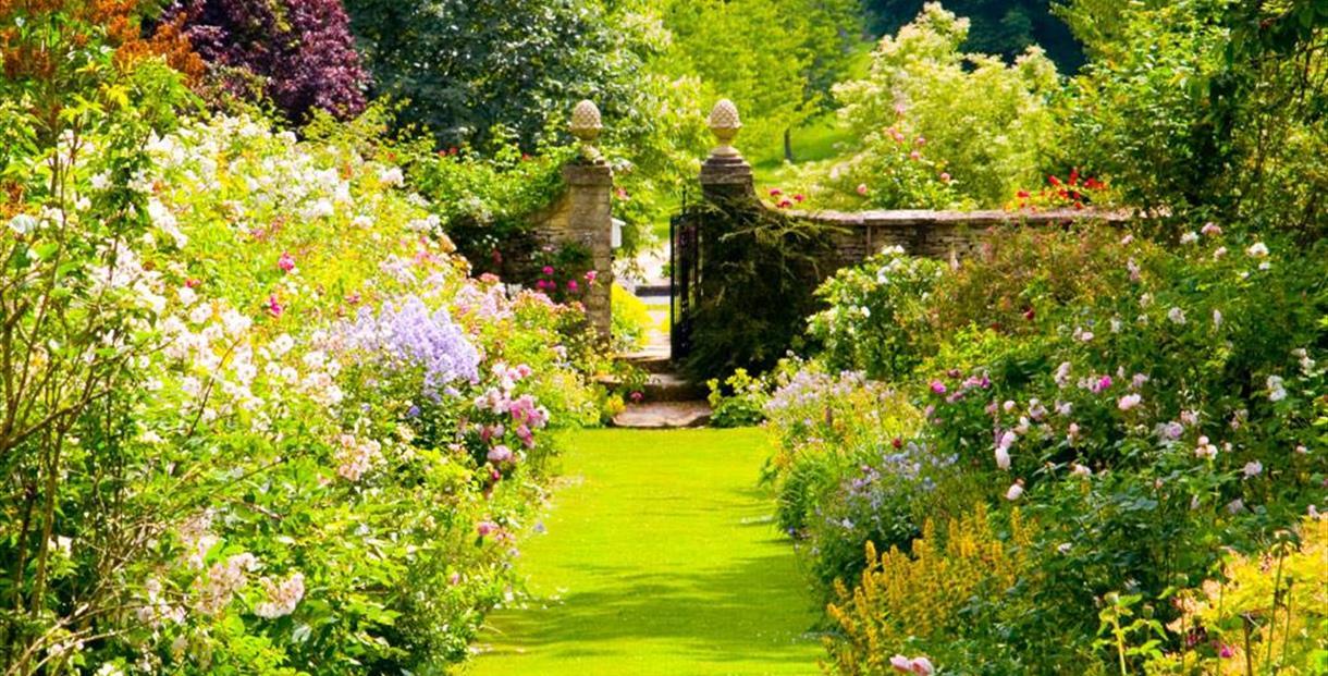 Cerney house gardens