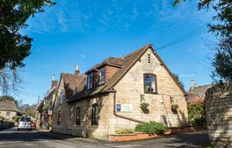Church Court Cottages - Malvern Cottage
