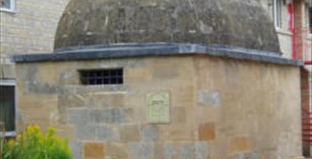 Cirencester Lock Up