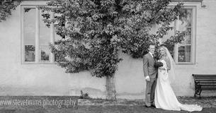 A wedding at Cogges Manor Farm (photo - Steve Timms)