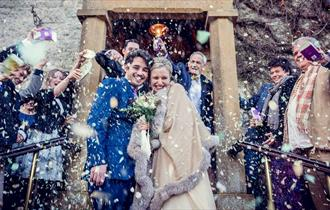 Dormy Wedding Hero (picture by Louise Holgate)