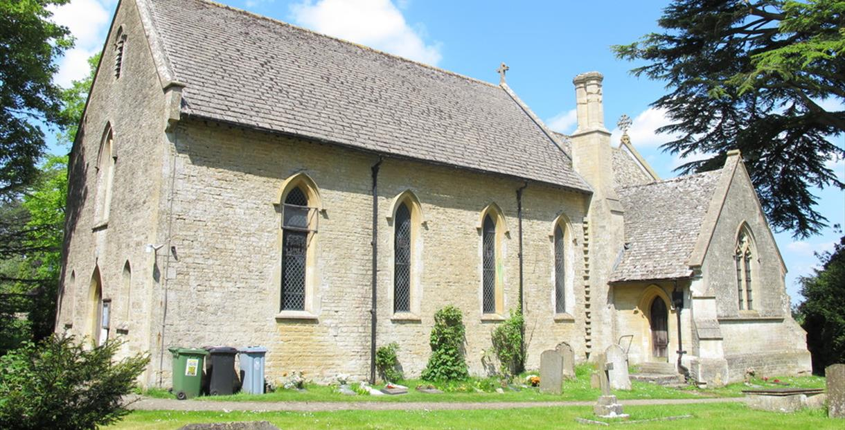 Holy Trinity Church, Finstock (photo courtesy of www.oxfordshirechurches.info)