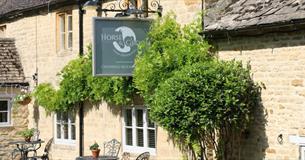 Horse & Groom Village Inn