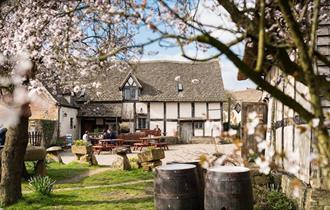The Fleece Inn (National Trust)