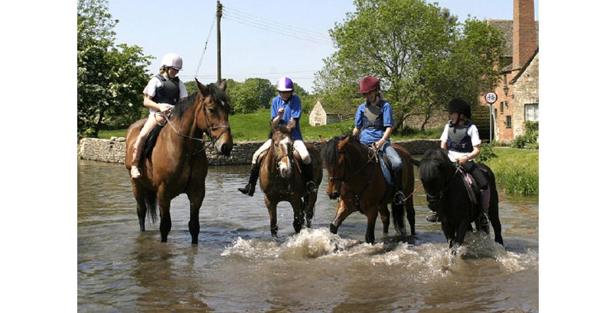 Bourton Vale Equestrian Centre