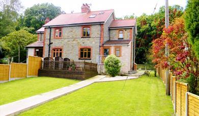 Oakwood Cottage