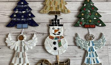 Christmas Beginner's Mosaic Workshop at The Inspiring Creativity Studio