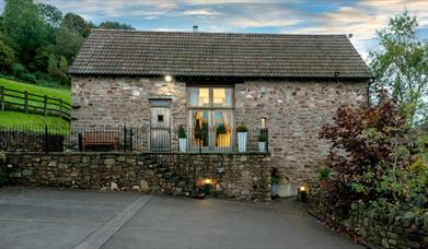 Orchard Barn - Luxury Holiday Cottage with Hot Tub