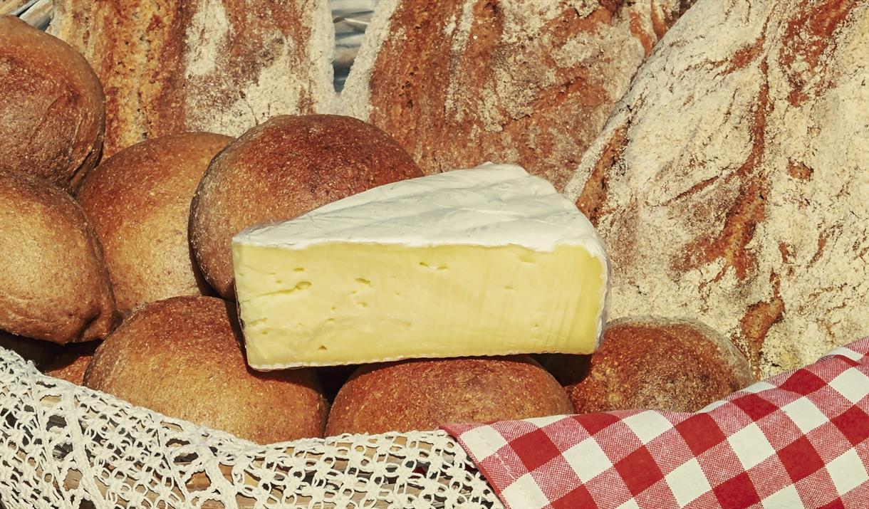 CHEESE, CHUTNEY & BREAD at Harts Barn Cookery School
