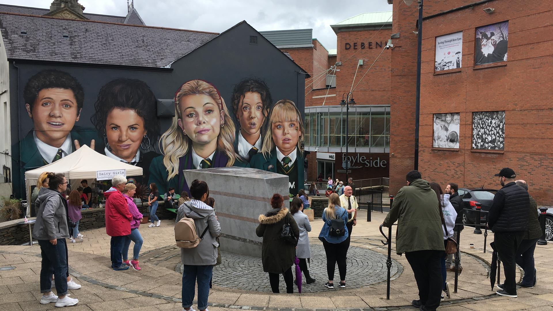 Martin McCrossan City Tours - Derry Girls Tour