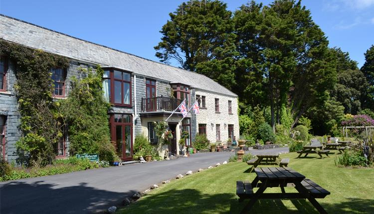 Country Hotel