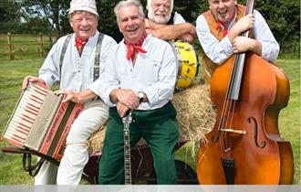 SUNNY CIDER FEST WITH THE WURZELS