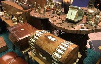 Antiques and Collectables Fairs - Newton Abbot Racecourse