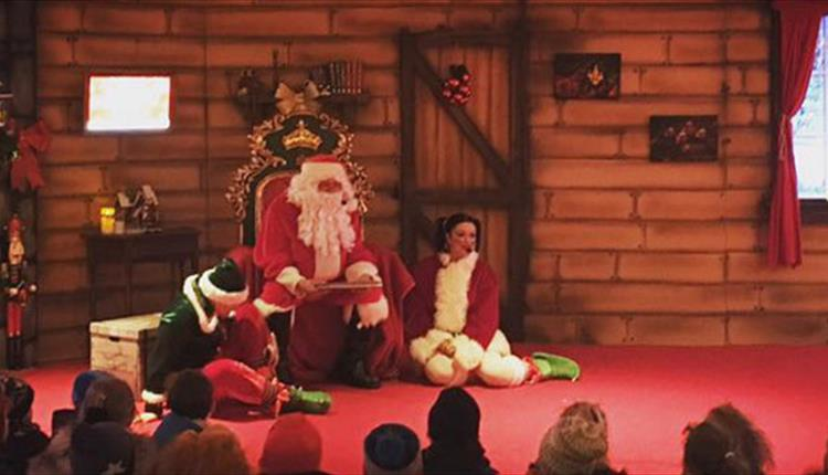 Crealy - Santa's Magical Christmas