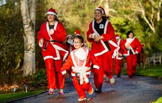 Santas on the Run Goes Freestyle