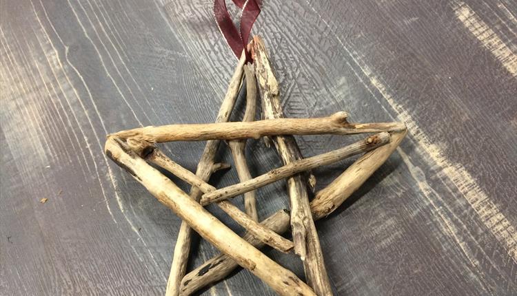 Christmas Driftwood Creations