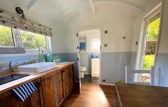 Tor Royal Shepherds Hut