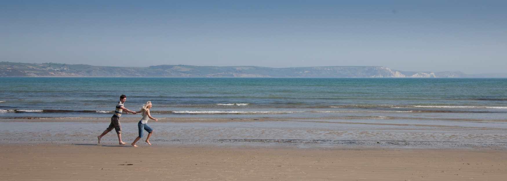 Beach romance © Rod Edwards