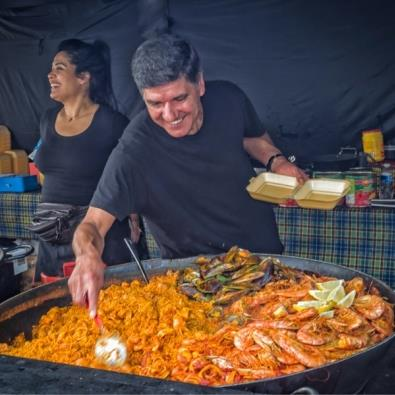 Giant paella at Dorset food festival