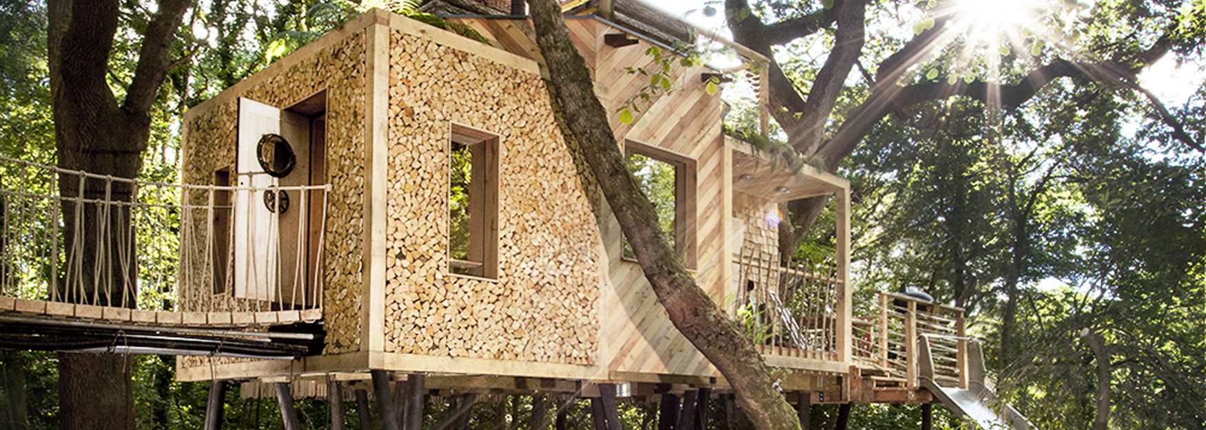 Stunning Woodsman's Treehouse