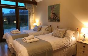 Bookham Court near Dorchester - twin bedroom