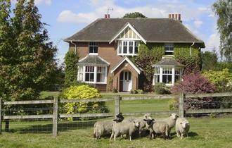 Long Lane Farmhouse