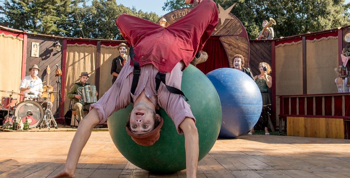 Kermiz by Le Cirque du Platzak (C) JMA Photography