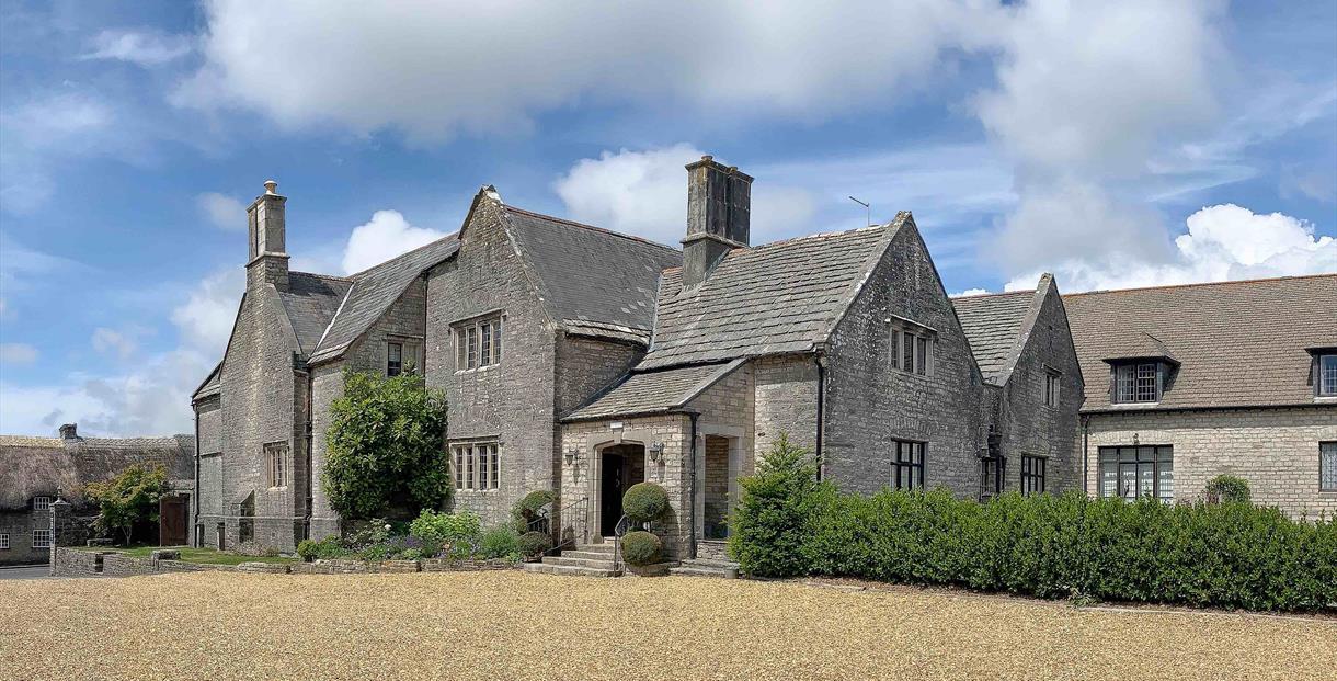 Outsid Mortons Manor in Corfe Castle, Dorset