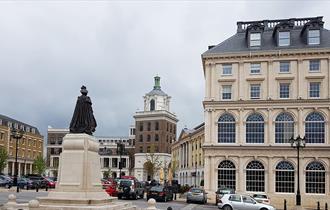Queen Mother Square Poundbury, © Prewett Bizley Architects