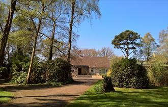 Birchcroft Hideaway front garden
