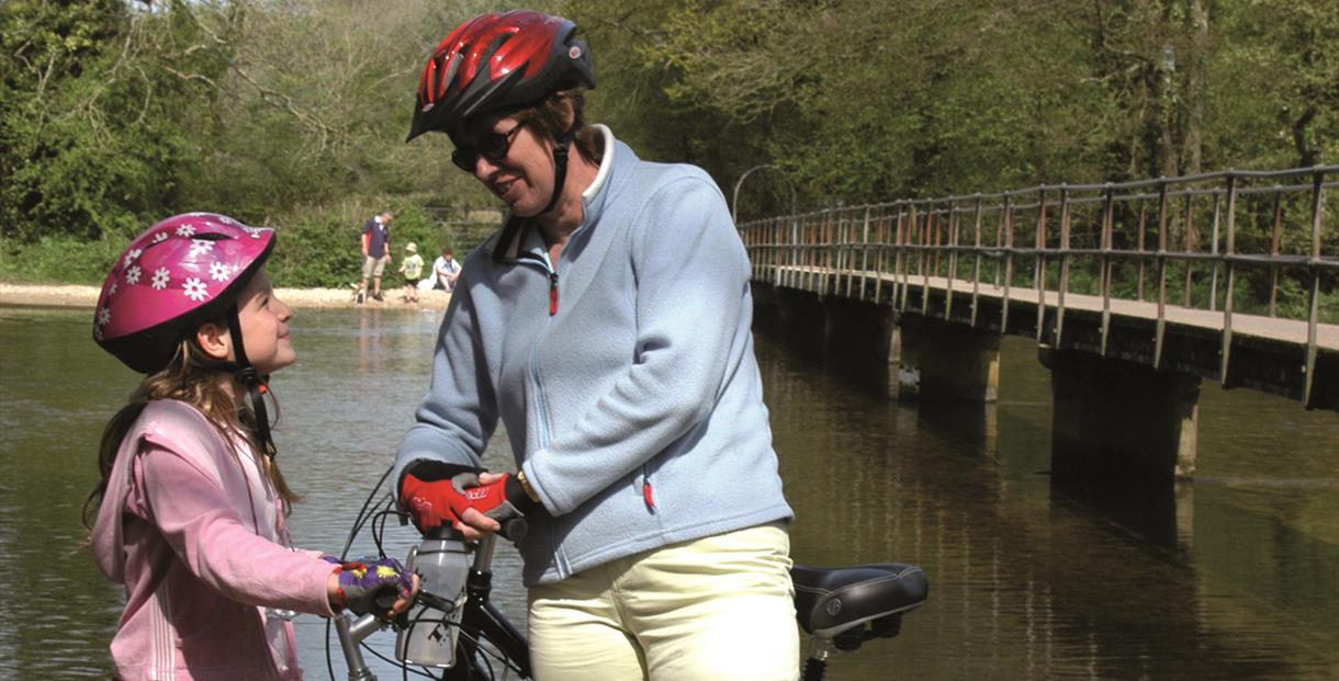 Cyclists at Moreton Ford