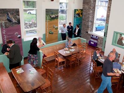 Bowlees Cafe