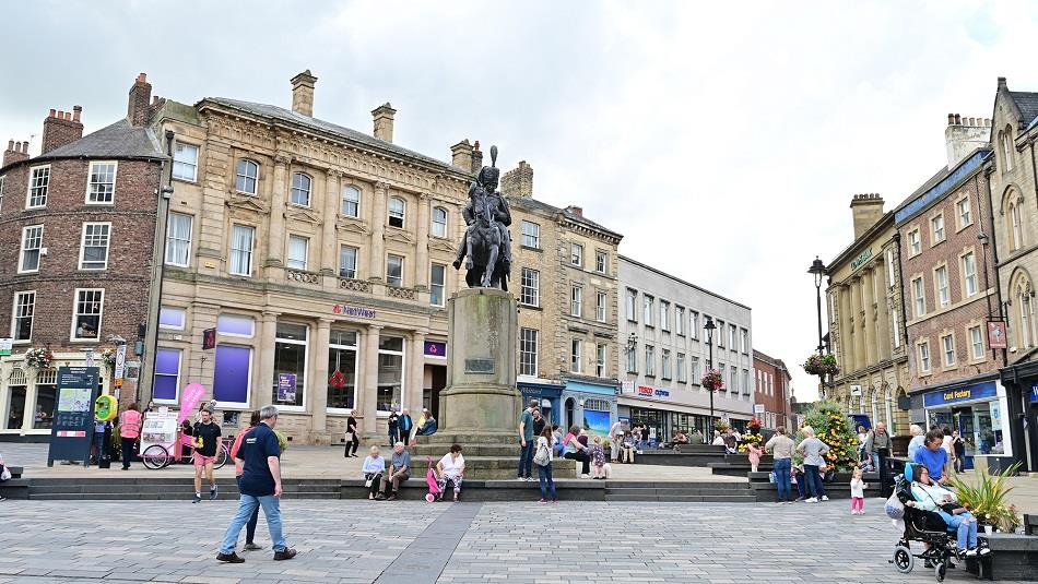 What's the relevance of the Marquess of Londonderry statue?