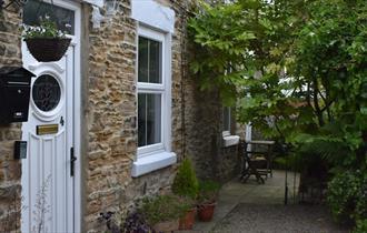 Cross Row Cottage exterior image