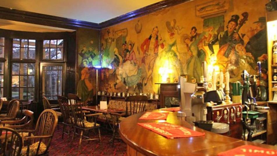 Bar at Dickens Bar and Bistro