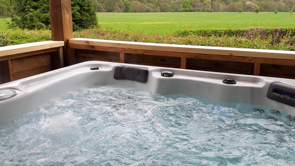 Hadrian tub at Vindomora Country Lodges