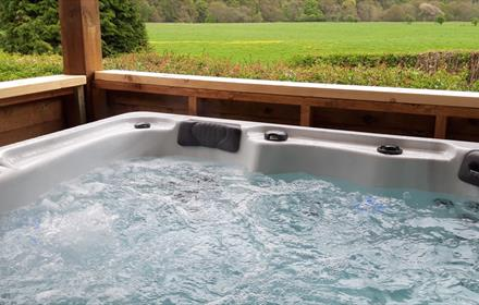 Hadrian tub at Vindomora Country Lodges