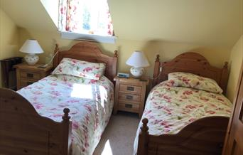 A twin bedroom at The Cross Keys Inn, Malton in East Yorkshire.