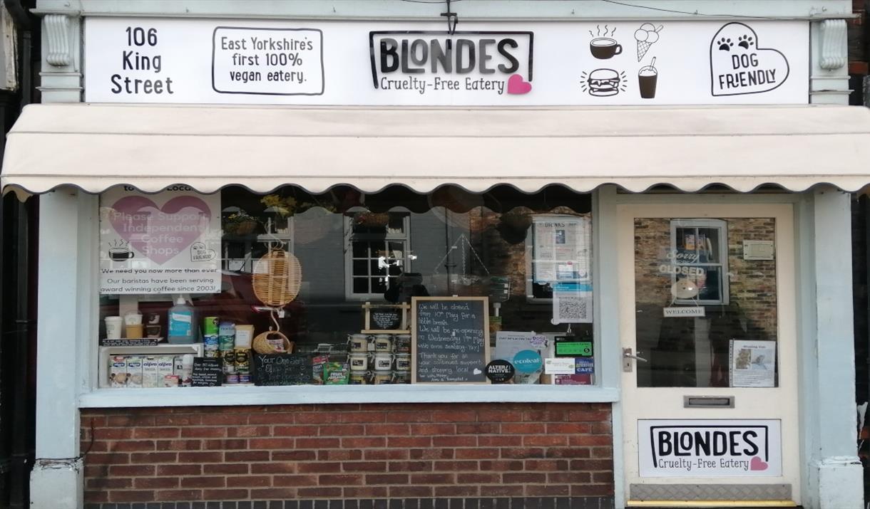 Blondes cafe in Cottingham, East Yorkshire