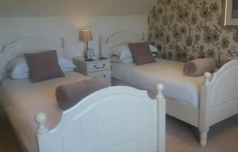 A twin bedroom at Eastdale Bed & breakfast, North Ferriby, East Yorkshire.