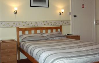 Double bedroom, Ashfield Guest House, Torquay, Devon